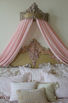 abigail bed crown by villa bella