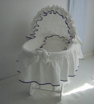french bassinet by lullaby