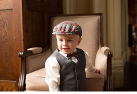 newsboy cap in grey plaid