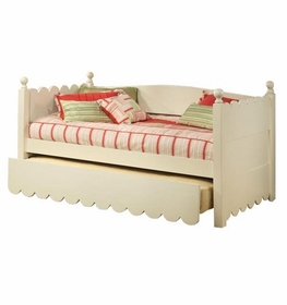 Scallop Day Bed with Pop Up Trundle