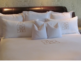 Solid White Duvet Covers and Shams Hotel Collection 100% Egyptian Sateen Cotton 400 and 1000 thread count