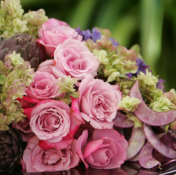 Flower Arranging with Fresh Flowers \
