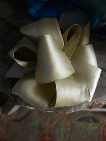 How to make a Puffy Bow  - Click to enlarge