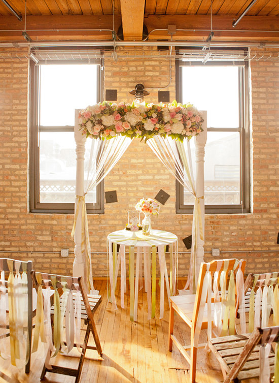 Top 10 wedding backdrop ideas for Wedding dress display at home