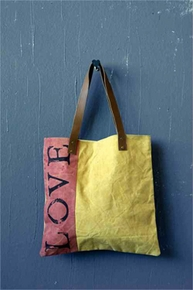 Tote Bags, Welcome Bags - Click to enlarge