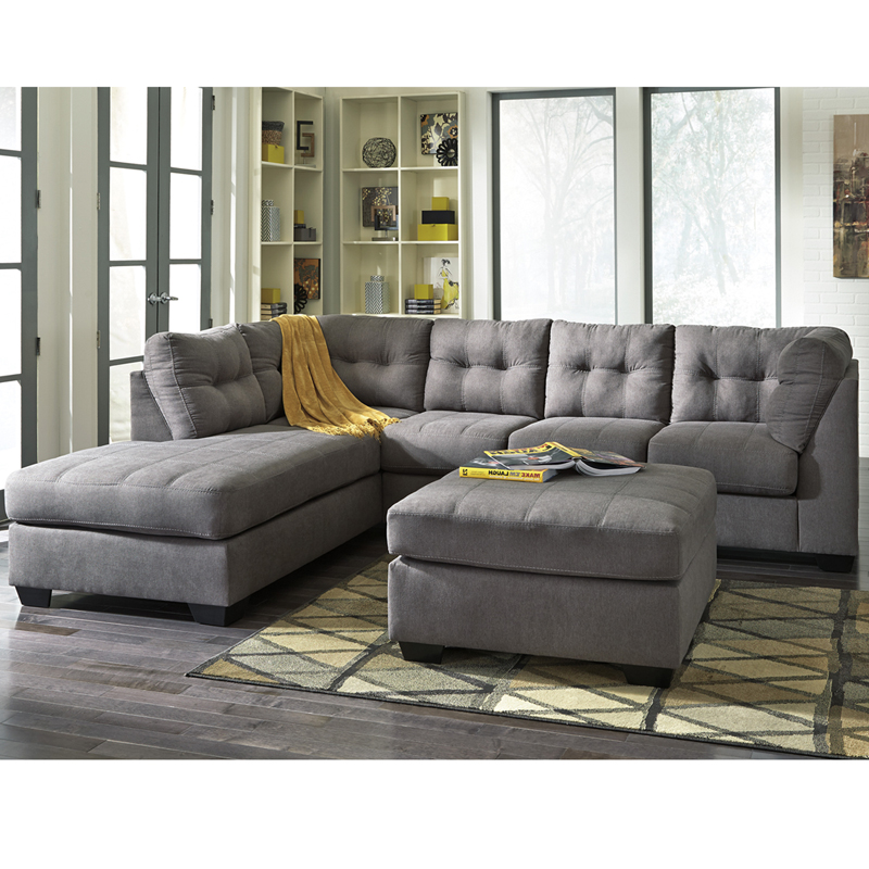Benchcraft Maier Sectional With Left Side Facing Chaise In