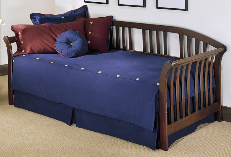 salem sleigh arms wood daybed with link spring and pop up trundle mahogany b51k58 by fashion. Black Bedroom Furniture Sets. Home Design Ideas