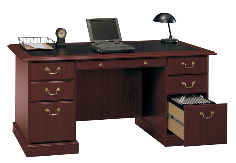 Saratoga Wooden 66 1 W X 30 8 H Executive Manager S Desk