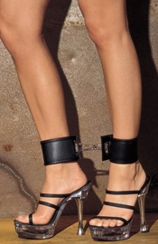 Deluxe Ankle Cuffs with Bracket and Carabine hooks (Small)