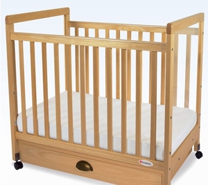 Compact Clearview  Crib<br>