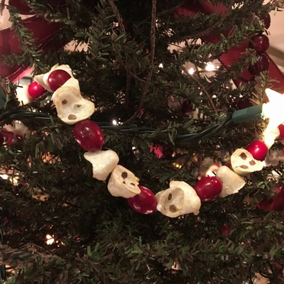 Artificial Christmas Tree Garland - Popcorn and Cranberry Garland - 6 ft