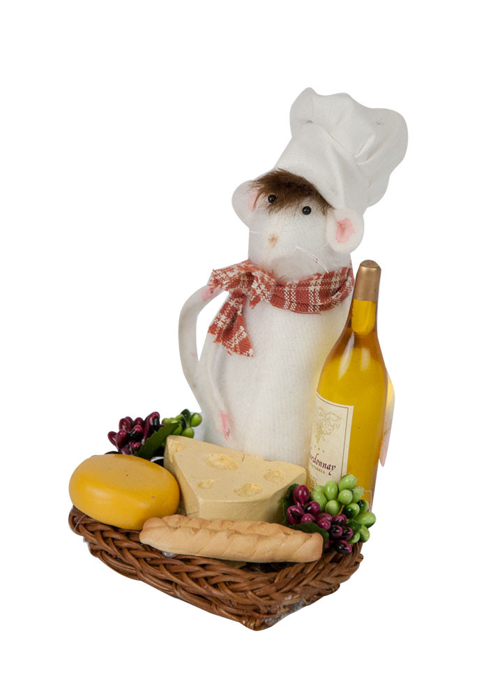 Byers Choice Accessory - Mouse with Wine & Cheese 2018
