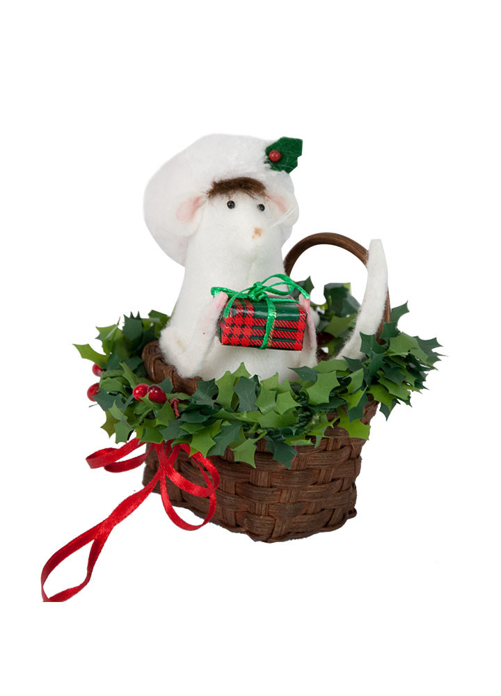 Byers Choice Accessory - Santa Mouse in Basket 2018