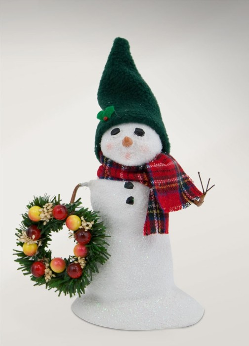 Byers Choice Caroler - Small Snowman with Wreath 2017