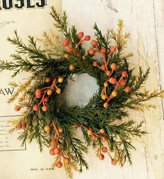 "Candle Ring - ""Autumn Cedar with Berries Candle Ring"" - 4.5"""