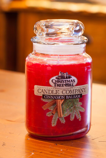"Christmas Tree Hill Fragranced Candle - 22 oz. Jar - ""Cinnamon Balsam"""