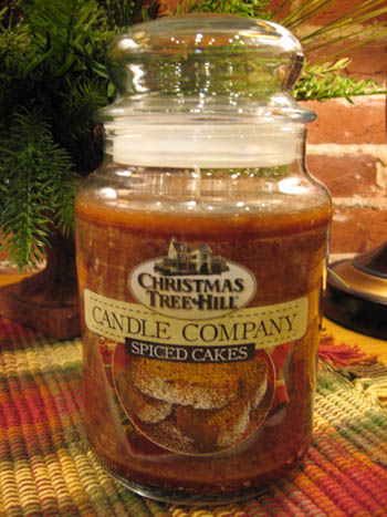 "Christmas Tree Hill Fragranced Candle - 22 oz. Jar - ""Spiced Cakes"""