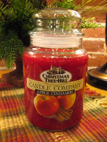 "Christmas Tree Hill Fragranced Candle - 22 oz. Jar - ""Apple Cinnamon"""