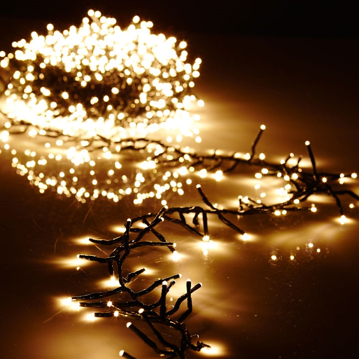 & Cluster Garland Lights - 600 Warm White LED Lights - Green Wire - 19ft