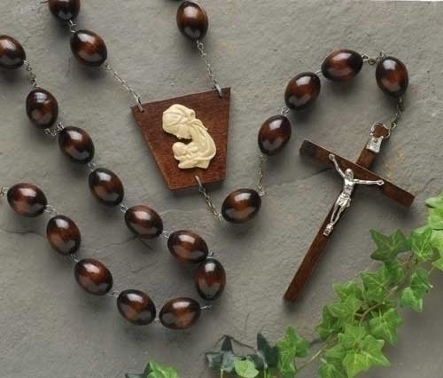BROWN OVAL WOOD WALL ROSARY
