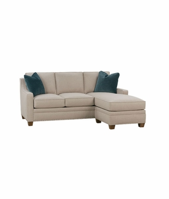 Small apartment size sofa with reversible chaise club for Apartment size sectional sofa with chaise