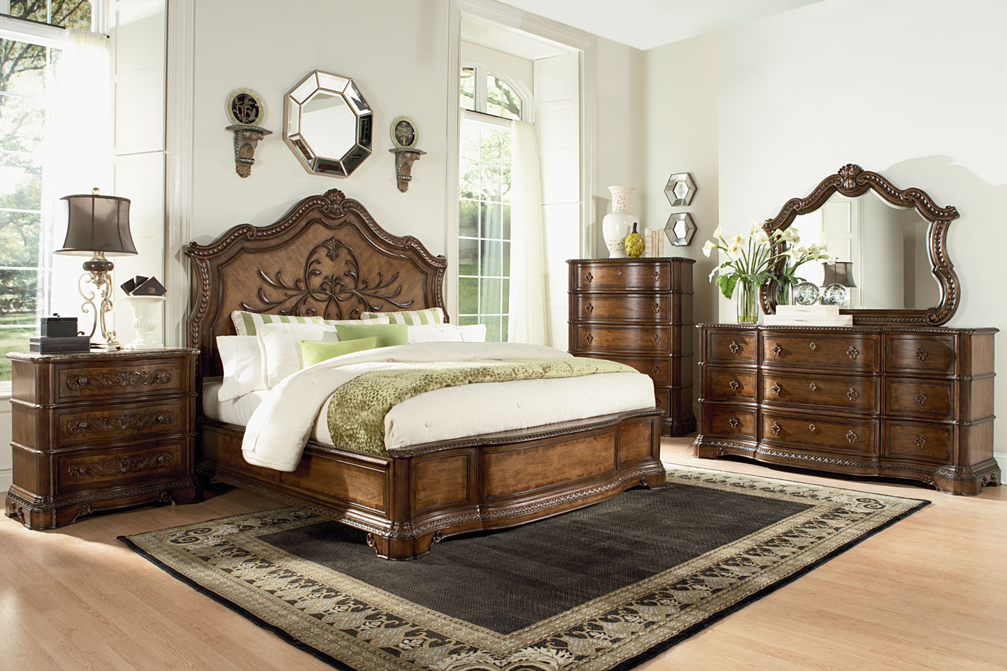 Stanbury Traditional Set Wood Bedroom Furniture
