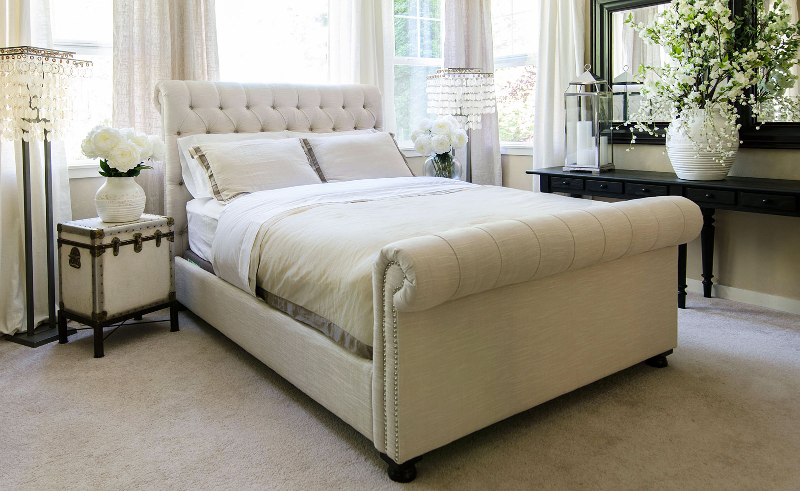 Chesterfield style fabric tufted bed club furniture Bedroom furniture chesterfield