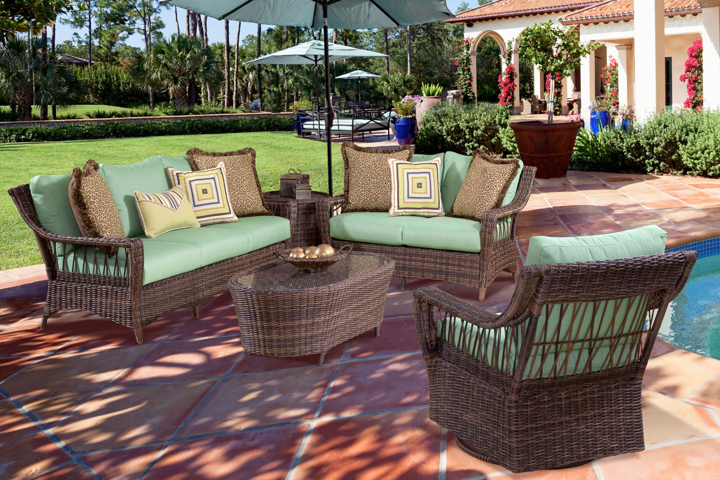 Martinique resin wicker patio furniture collection for Wicker outdoor furniture