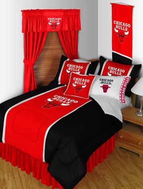 Chicago Bulls SIDELINES Jersey Material Comforter - Twin