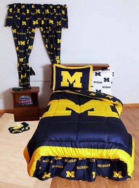 Michigan Bed in a Bag Full - With White Sheets
