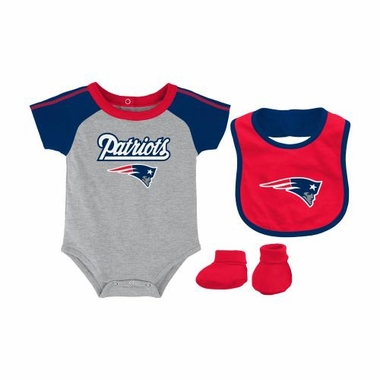 New England Patriots Infant NFL 3 Piece Creeper Bib Bootie Set