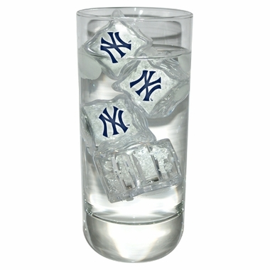 New York Yankees Set of 4 Light Up Ice Cubes