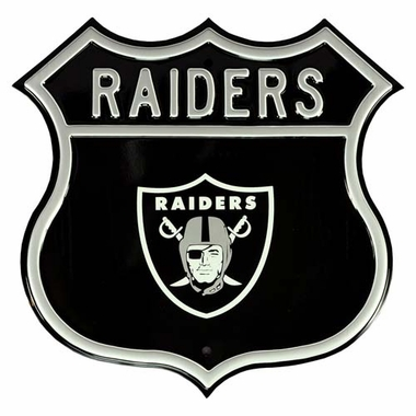 Raiders W Raiders Route Sign