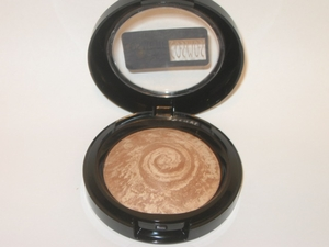 Matte Bronze Baked Finishing Powder