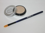 Undereye Lightener/Concealer and lid primer with Brush
