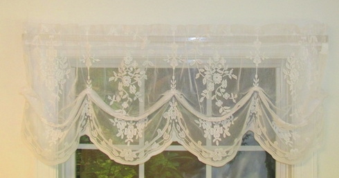Fiona Scottish Lace Tucked Balloon Valance