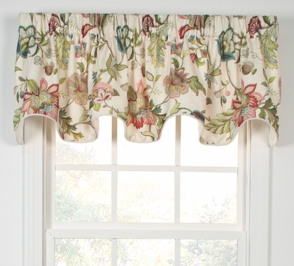 Brissac Scalloped Valance