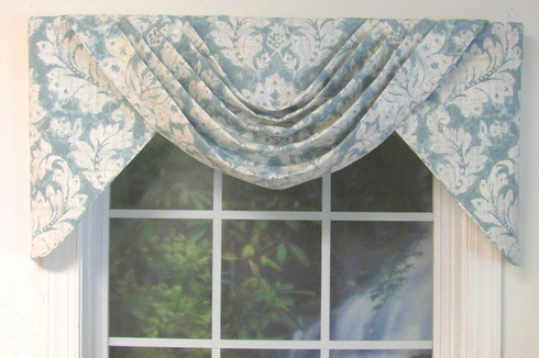 Darvel Clearwater Trixie Valance