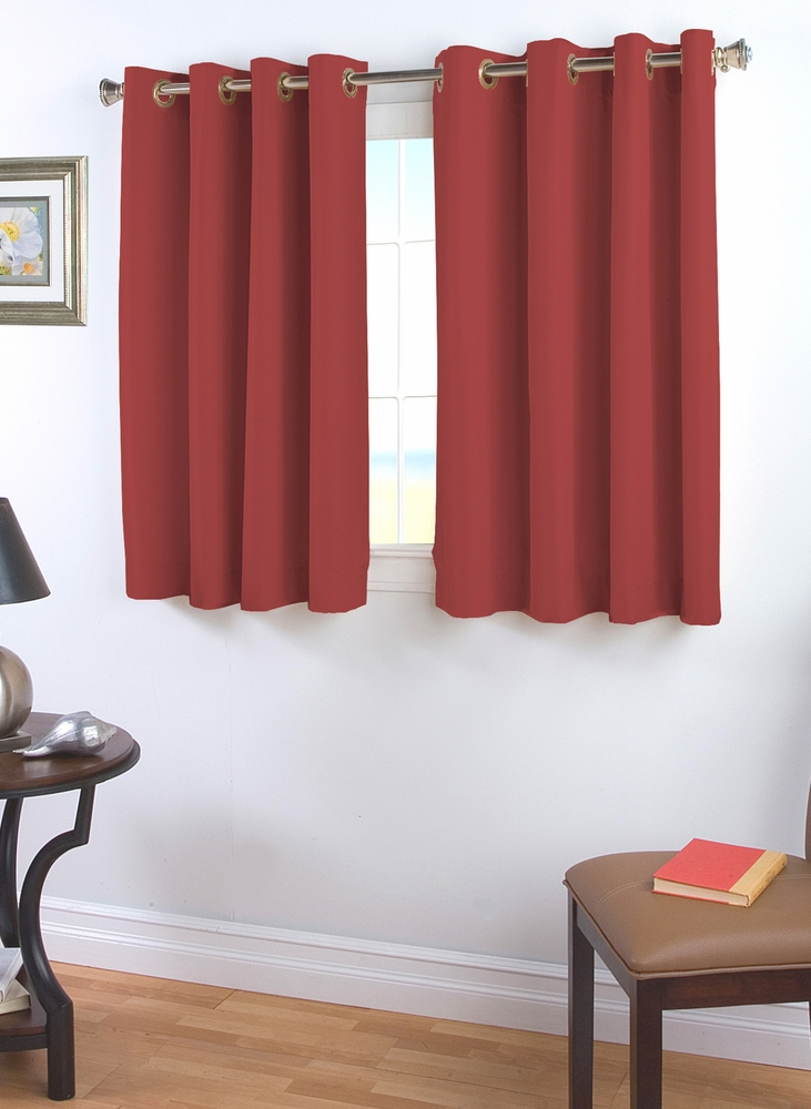 Elegance Insulated Grommet Curtain With Wand