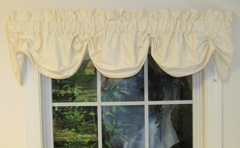 Superb Dew Federal Valance - Eggshell - SOLD OUT