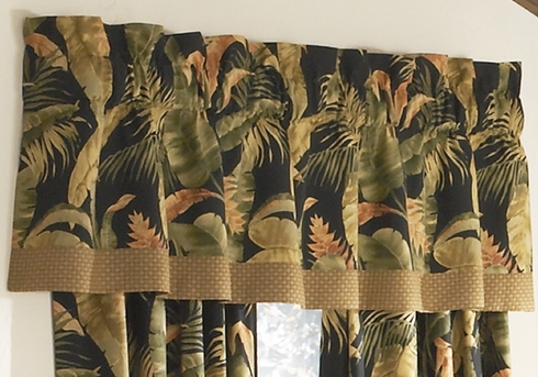 Tailored Valance with Band - LaSelva Black by Thomasville