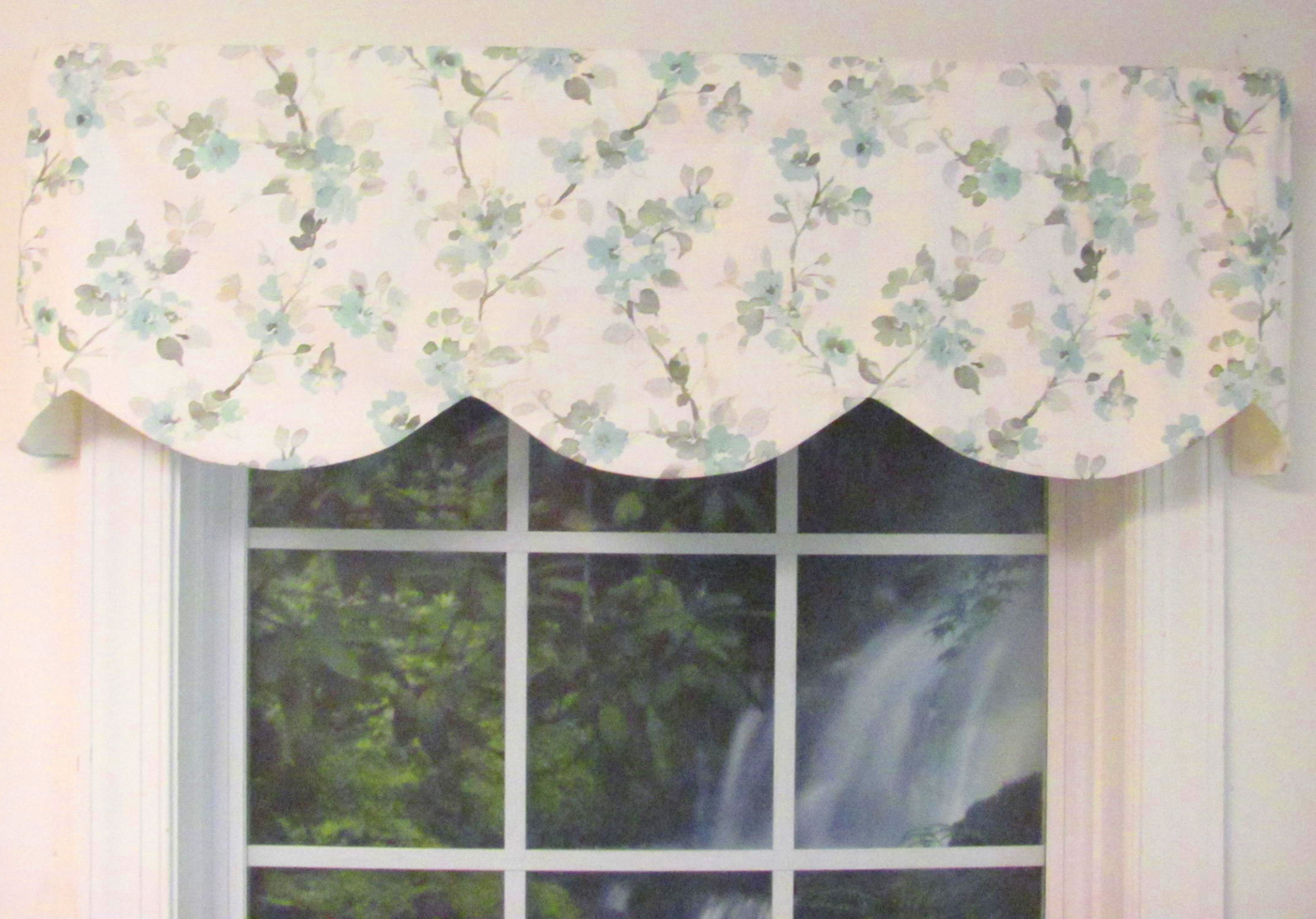 Image of: Shaped Valances Solid Patterned Cornice Box Pleat