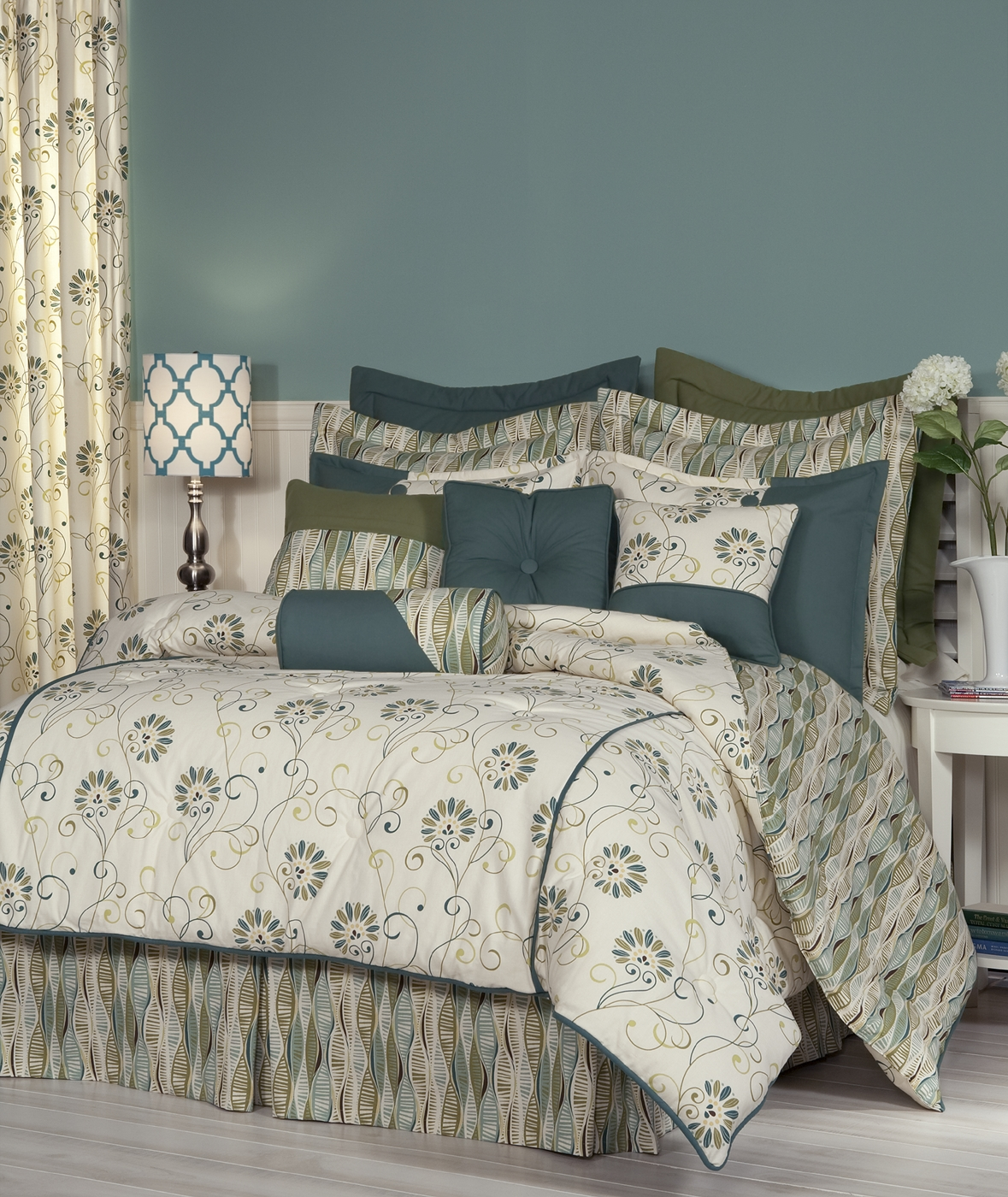 Suzette comforter set by thomasville the curtain shop - Bedroom comforter and curtain sets ...