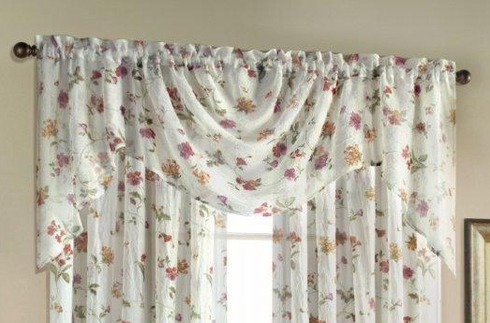 Brewster Swagger Valance