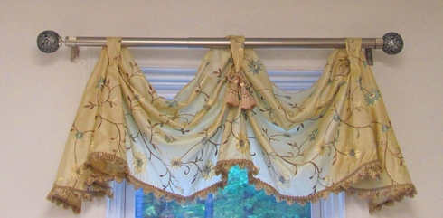 Two Scoop Celebration Valance - Fontina Ivory - CLEARANCE