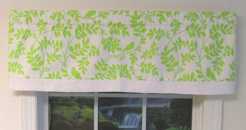 Tippi Green Apple Taylor Valance