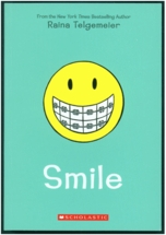 SMILE - A Braces Graphic Novel by Raina Telgemeier