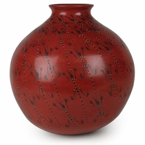 Red Mata Ortiz Vase with Skinny Lizards