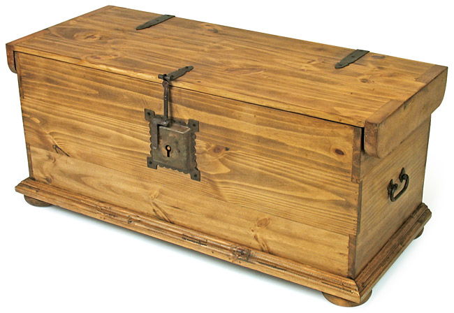 Mexican Rustic Pine Coffee Table Trunk With Iron Latch