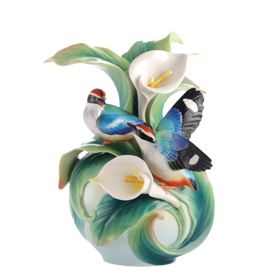 Franz Porcelain Happy Encounter Blue Winged Pitta Vase